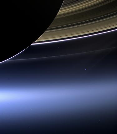 De aarde gezien vanaf Saturnus